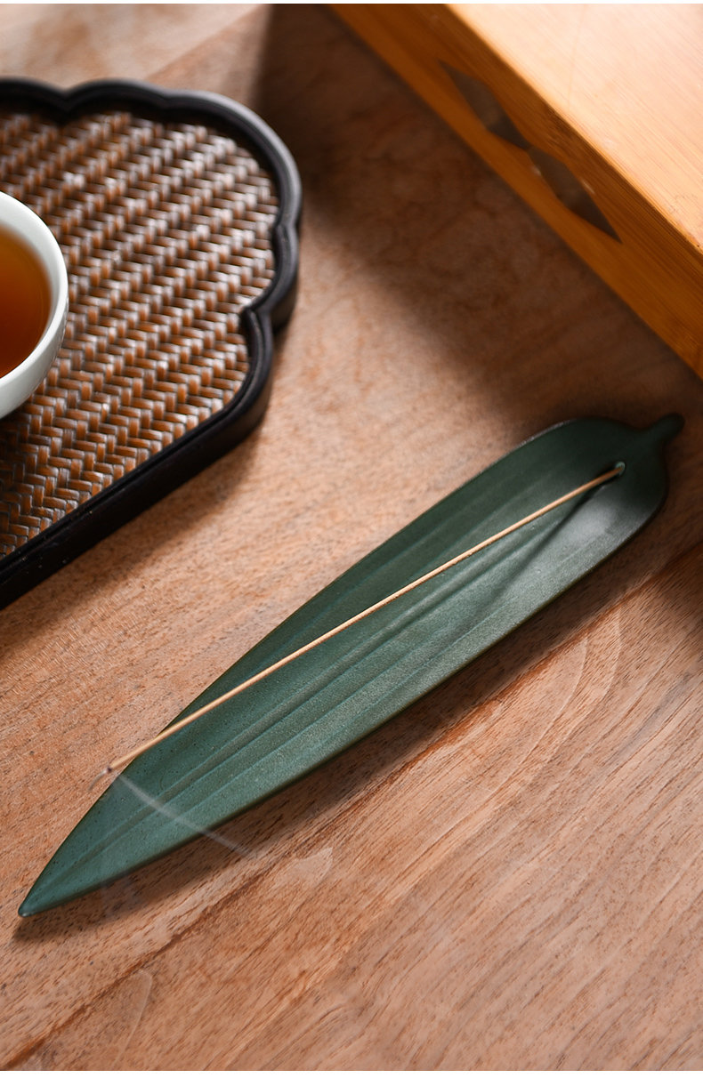 The Story of pottery and porcelain incense inserted joss stick Japanese zen aloes doesn incense suit sandalwood doesn aromatherapy furnace inside the bedroom