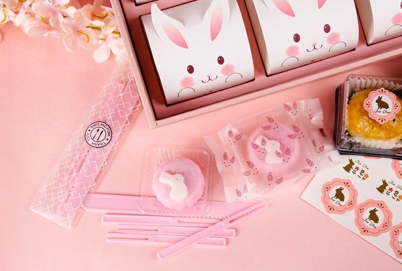 [原创]兔耳朵带托月饼包装袋50g80g蛋黄酥饼干机封袋子含底托内托商品详情图