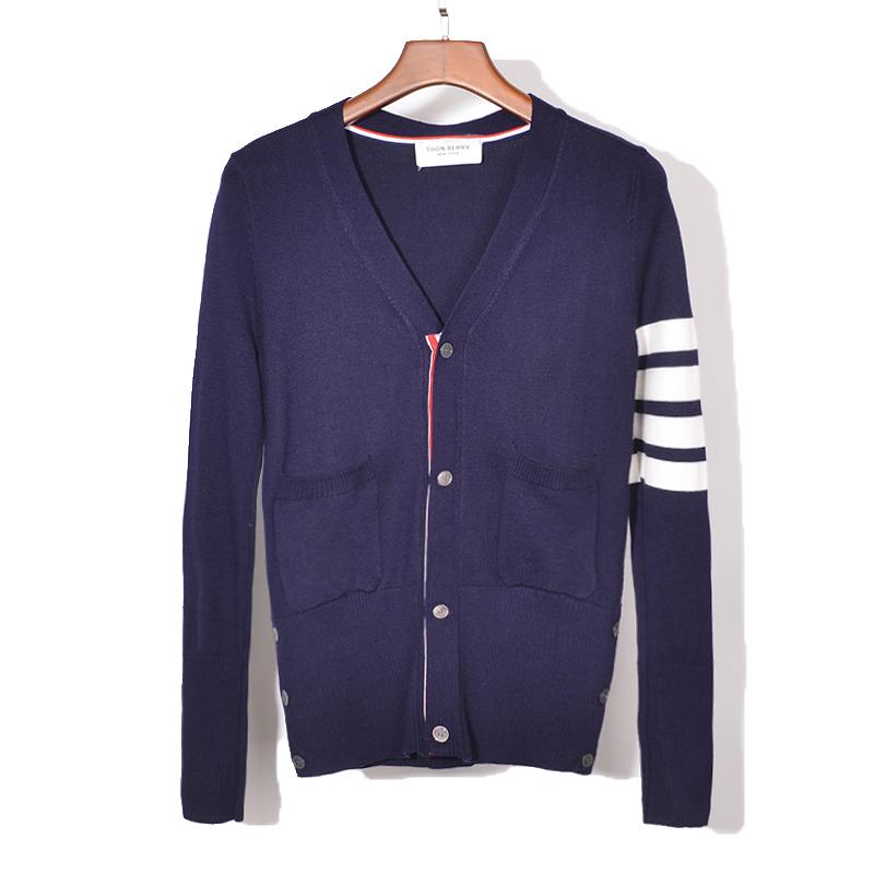 17SS mùa thu và mùa đông TB cardigan couple Slim V-Cổ áo len áo len giản dị áo len nam giới và phụ nữ với cùng một chiếc áo khoác