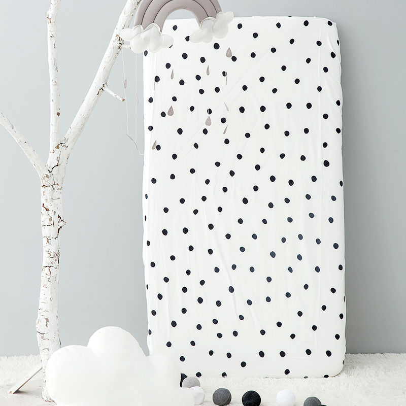 SMALL DOTS (THIS WHITE BACKGROUND) COTTON SATIN NO FLUORESCENCE