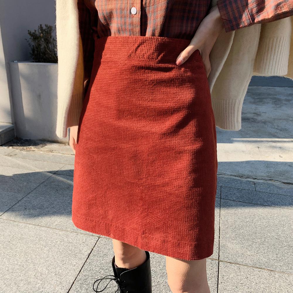 灯芯绒短款半身裙女秋冬新款港味复古高腰显瘦显高包臀a字短裙子