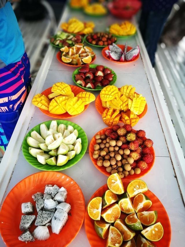 越南热带海岛春节合家欢
