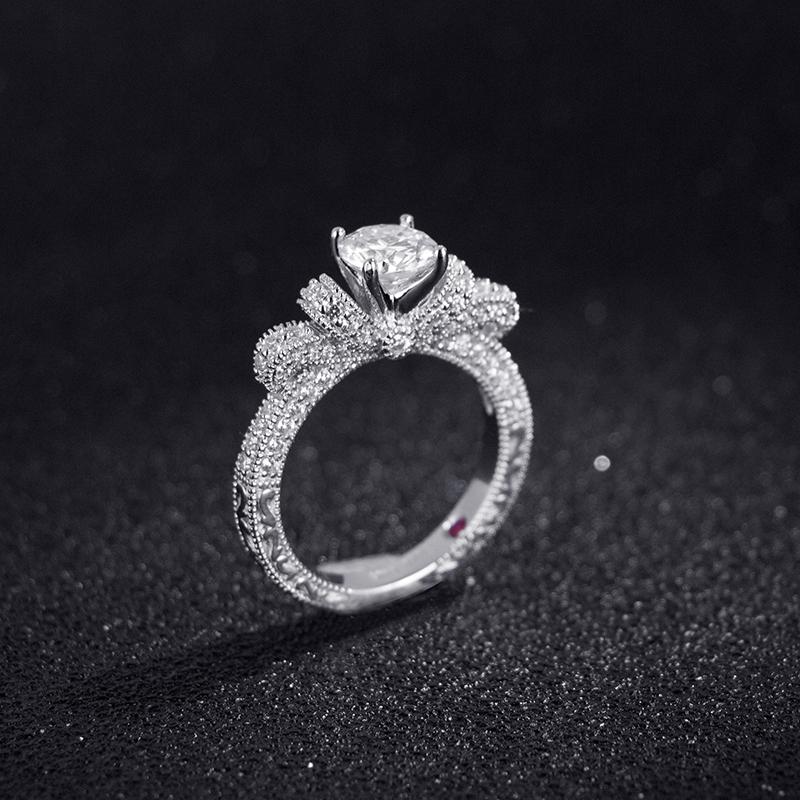 法国 ELLE 比钻石更闪 莫桑石戒指 图1