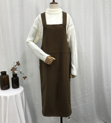 L @ ​​22 1.6 kg autumn and winter new Korean women solid color sleeveless women long hair woolen strap dress