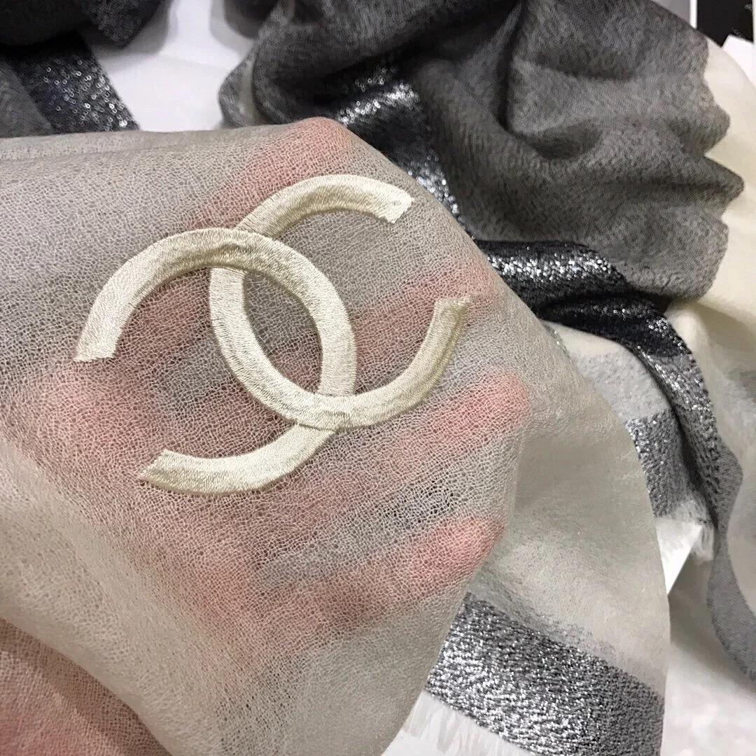 ✤寵愛Pamper for you✤CHANEL 銀絲真絲羊絨絲巾
