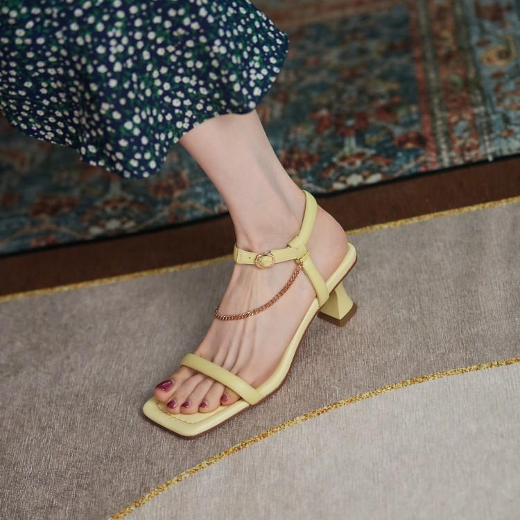 High heeled sandals look good, a small number of retro high heeled sandals, 2021 summer new thin heeled square open toe Roman shoes