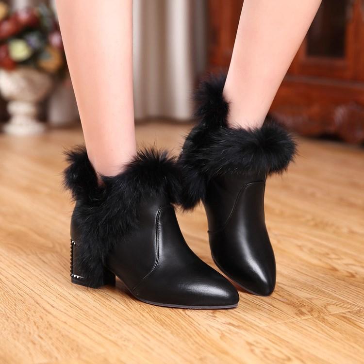 冬天穿的新款粗跟女鞋高跟冬靴子米雪地女白色带毛毛短靴鞋子冬靴