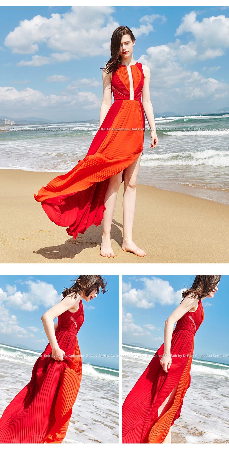 DPLAY2018 mùa hè mới thời trang châu Âu và Mỹ quanh cổ màu đỏ cam spell hit màu pleated sexy khe khu nghỉ mát bãi biển váy