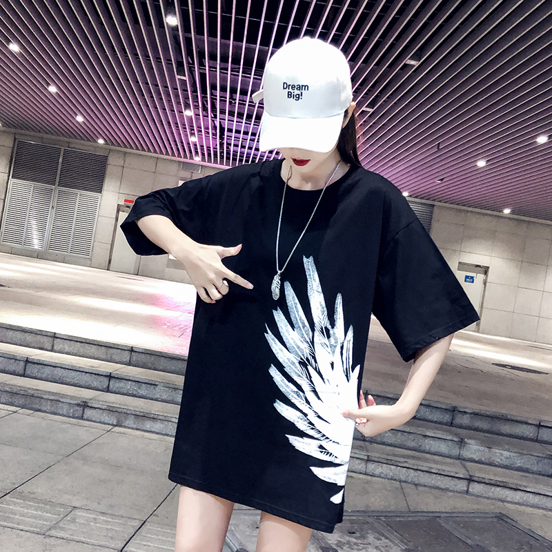 Model in Real Shot  Cotton Comfortable Loose Version of before And after Printed Feather T-shirt Dress 46 JB0101