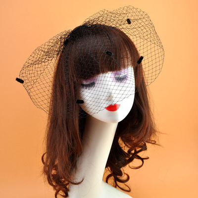 The bride performed the stage retro Hepburn black dot big mesh veil eyeveil hairpin ornaments