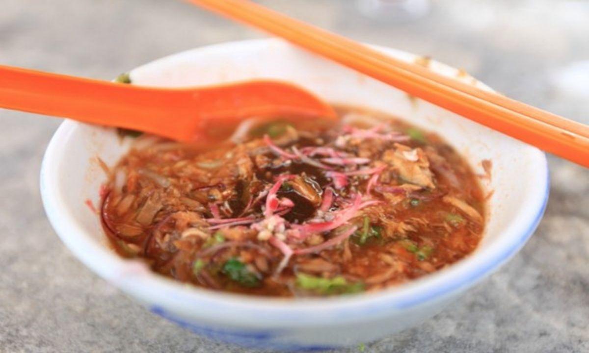 新加坡马来西亚美食街里的槟城叻