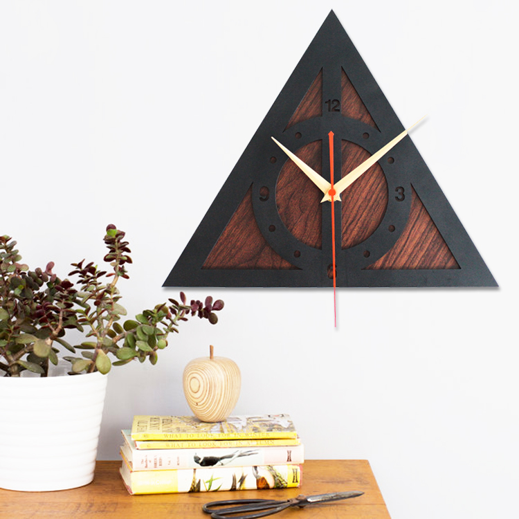 Creative wall clock home decor watch harry potter deathly for Harry potter home decorations