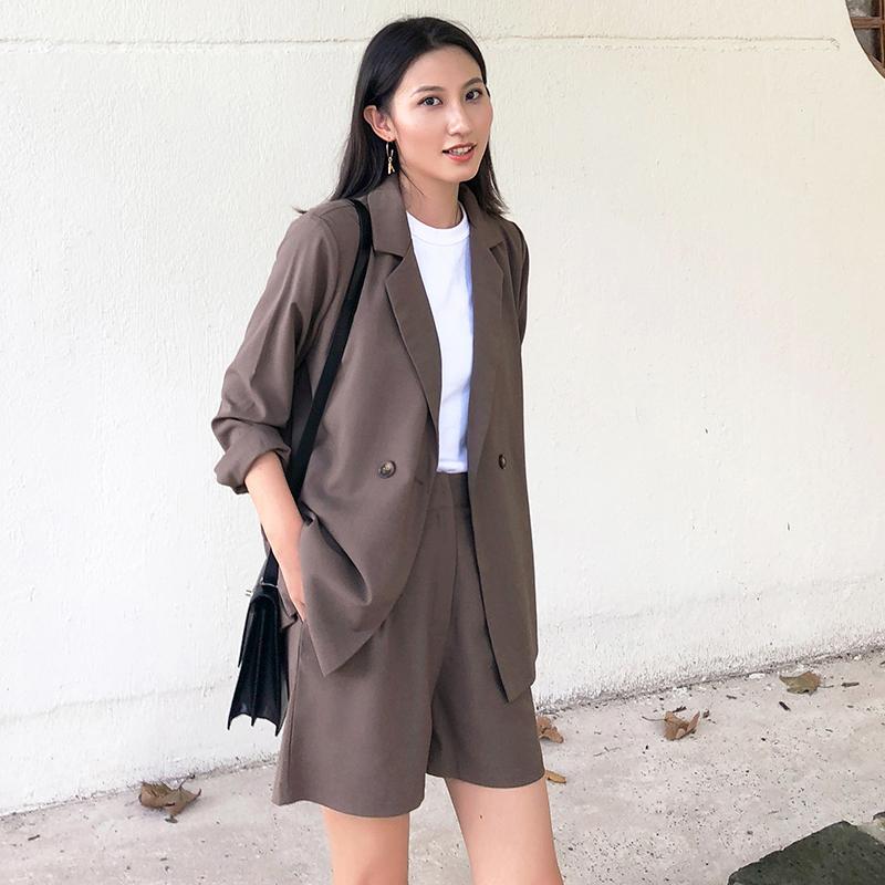 赫本风小西装时尚女2020夏季v时尚小香风薄款短裤西服套装两件套潮
