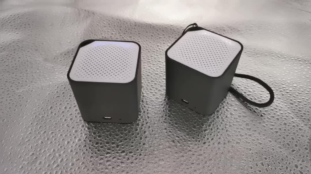 Customized Led Logo Modern Mini Black Dancing Party Outdoor Glow Wireless Speaker Bluetooth LED lighting logo