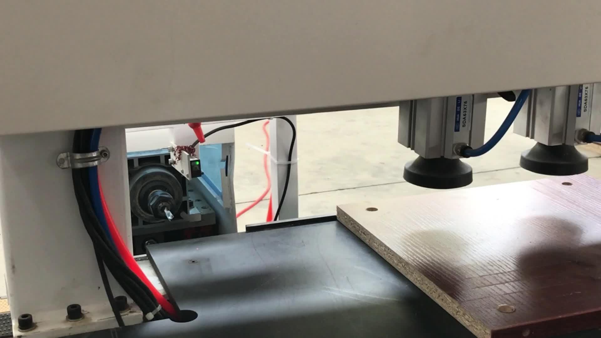 Automatische cnc laser boren en tikken machine voor houtbewerking met beste prijs