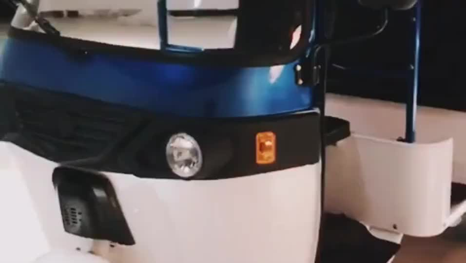 Battery Operated Green Power Electric Tricycle Rickshaw For India Market
