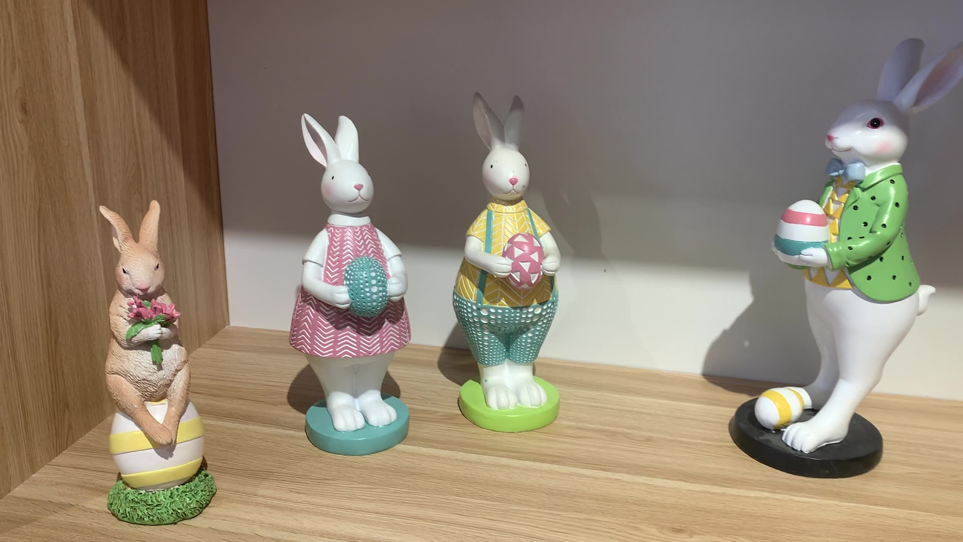 Epoxy resin table figurine lovely rabbit home house resin ornaments