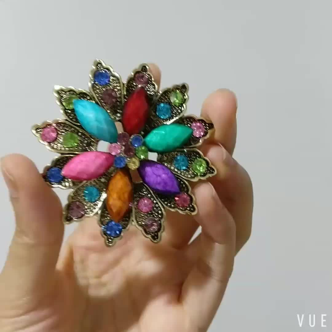 Retro Fashion Personality Rainbow Color Flower Resin Alloy Exquisite Rhinestone Brooches Women Jewelry