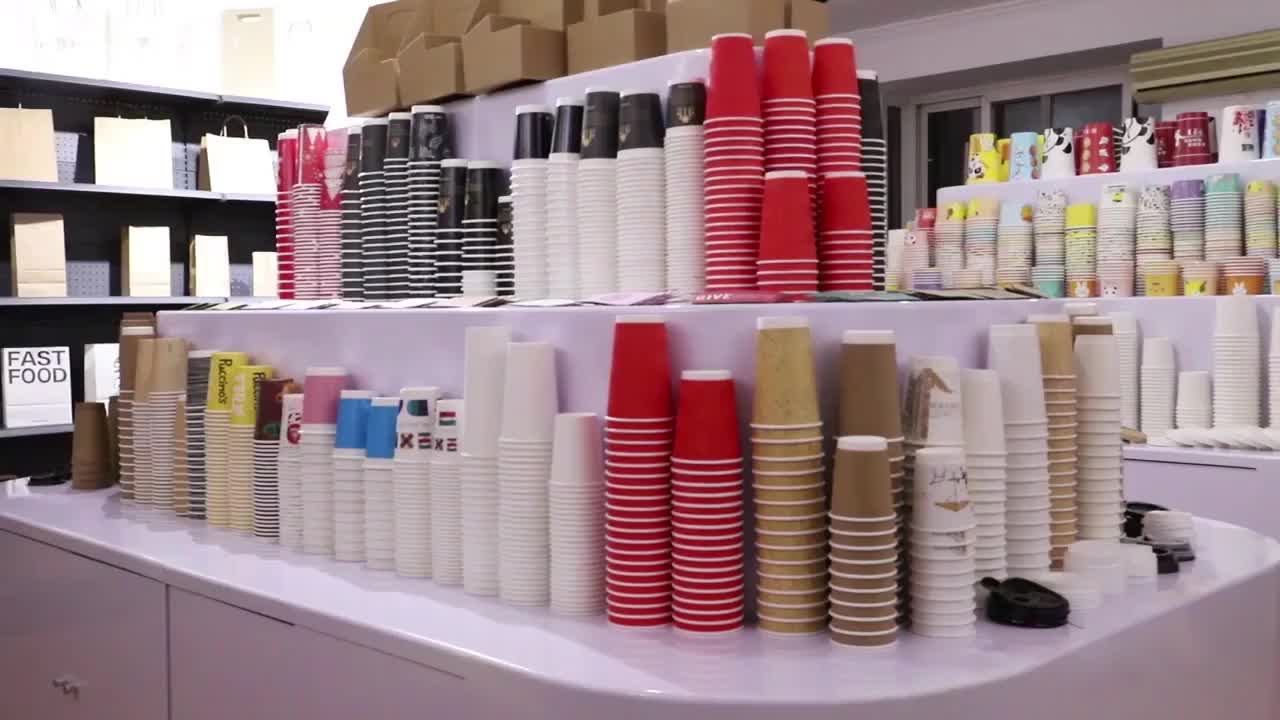 OEM ขายส่ง4ออนซ์100มิลลิลิตรพลาสติกที่กำหนดเอง IML ถ้วยไอศครีมถ้วยที่มีฝาปิดและช้อน