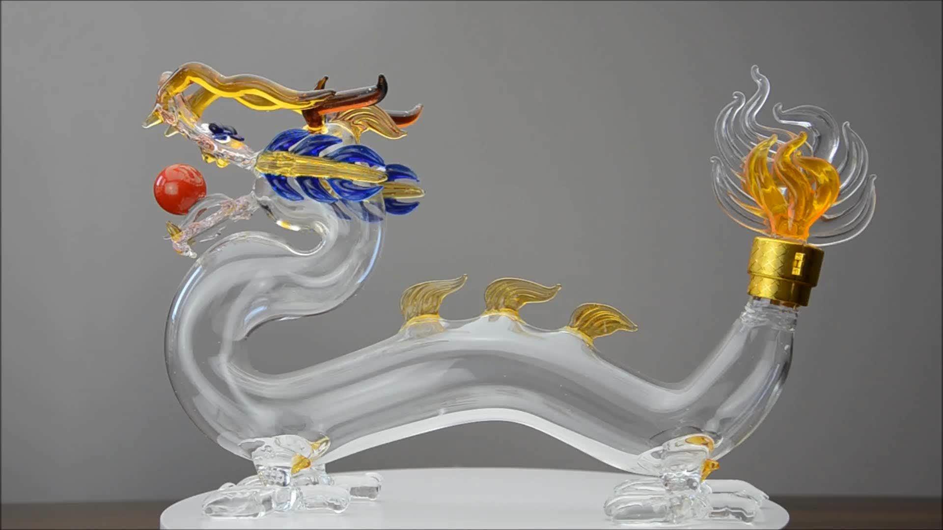 Hayvan Votka Viski Cam Sanatı Şişe Özelleştirmek Cam Benzersiz Ejderha Şekli Likör Şişesi