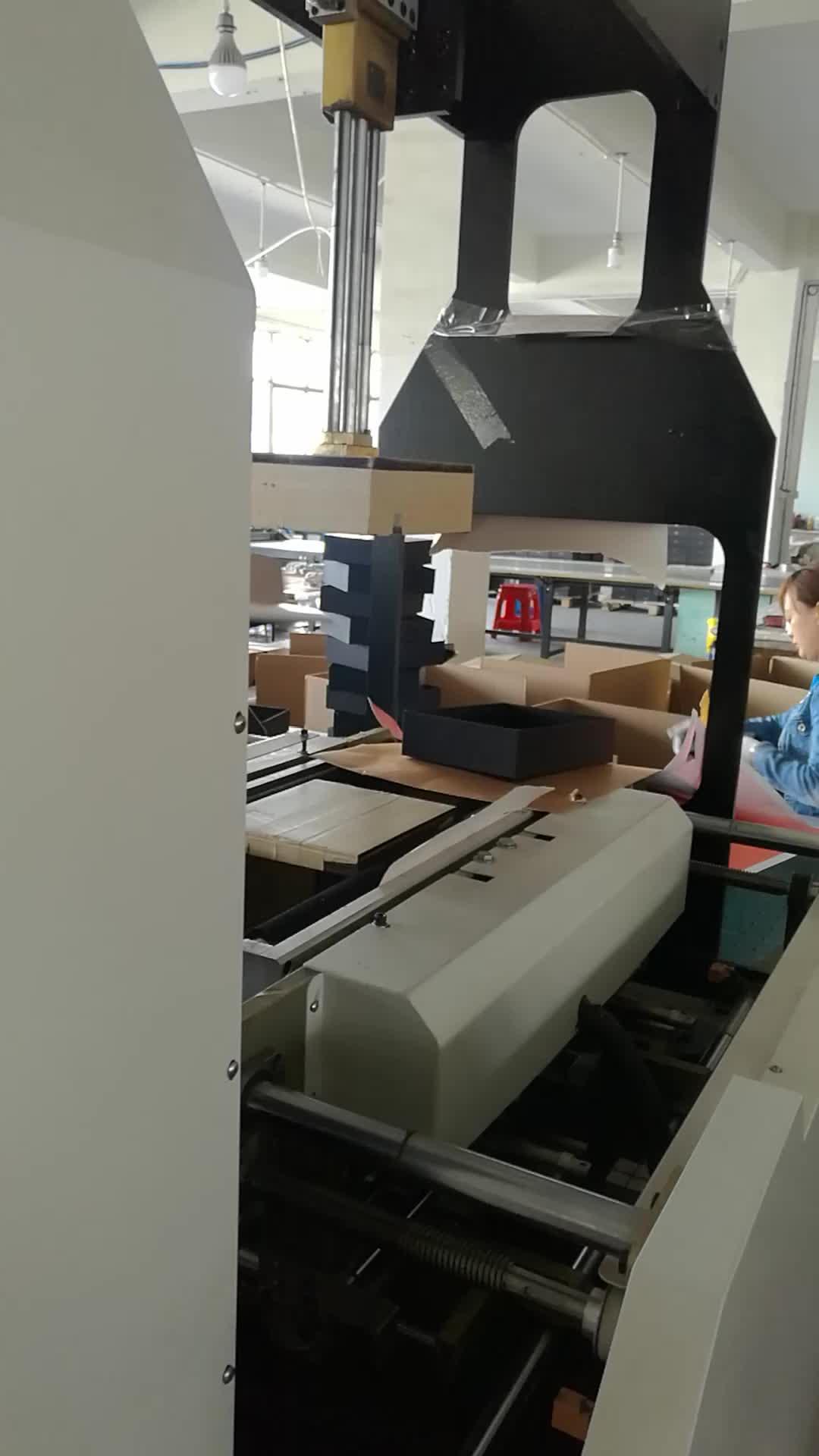 Occhiali su misura di disegno di bordo chip di 2 millimetri di spessore della parete scatole personalizzate bianco in nero di stampa