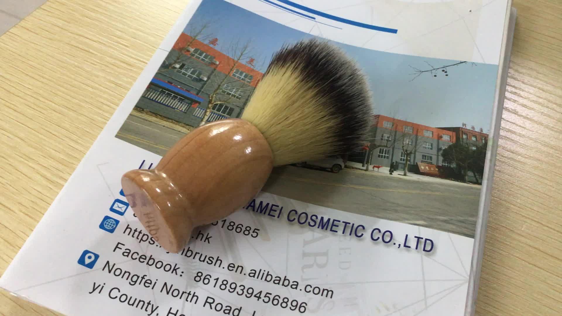 A buon mercato Sintetico badger pennello da barba con manico in legno