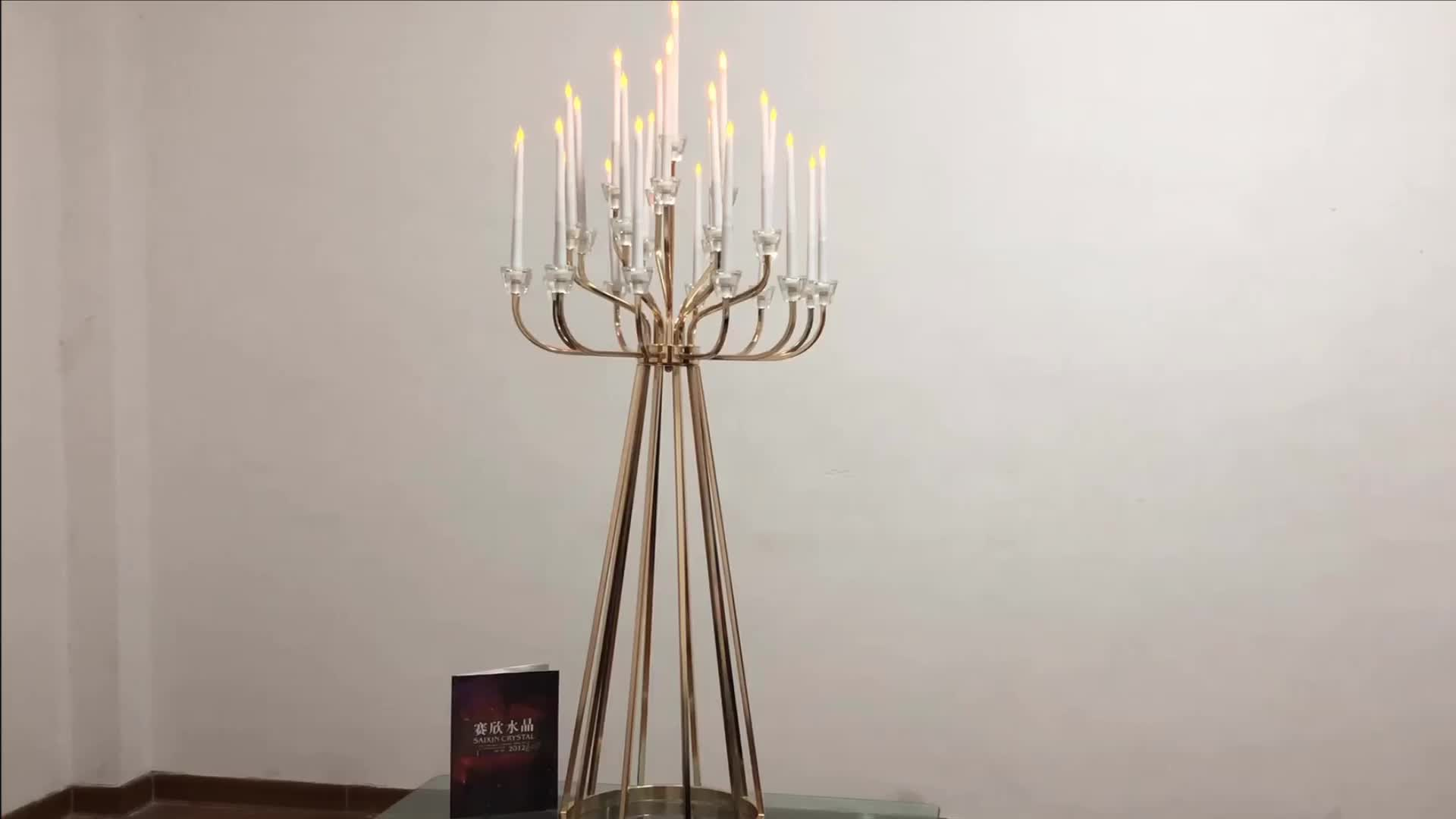 ZT-440 Hot sell wedding table decoration 25 arms big gold metal candelabra