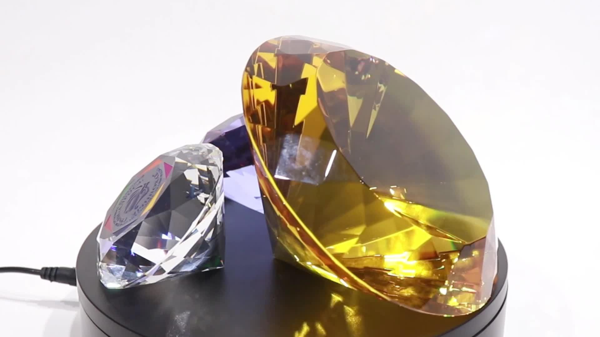 Alta qualidade 40mm claro gravado em forma de diamante de cristal paperweight