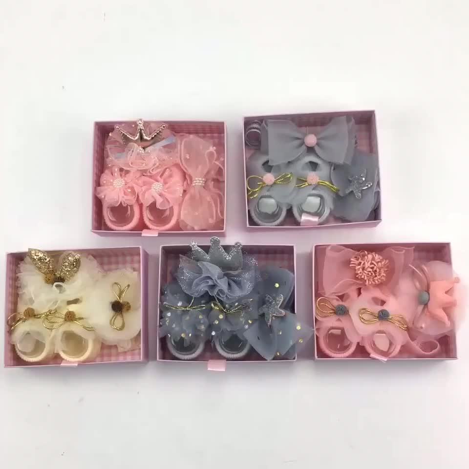 नई गर्म बिक्री उपहार बॉक्स फीता फूल हेडबैंड सेट कपास बच्चे मोज़े