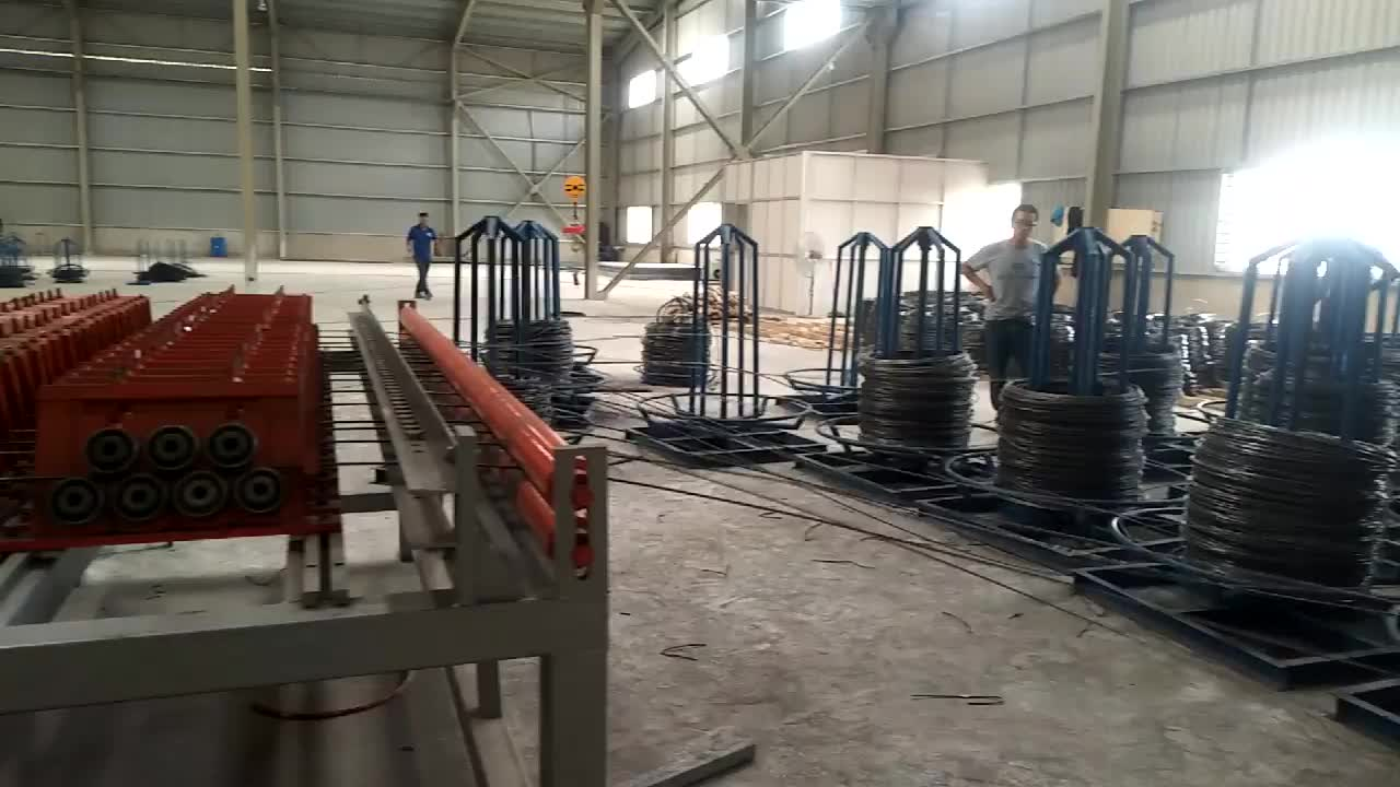 Electric galvanized iron welded mild wire mesh fence making machine