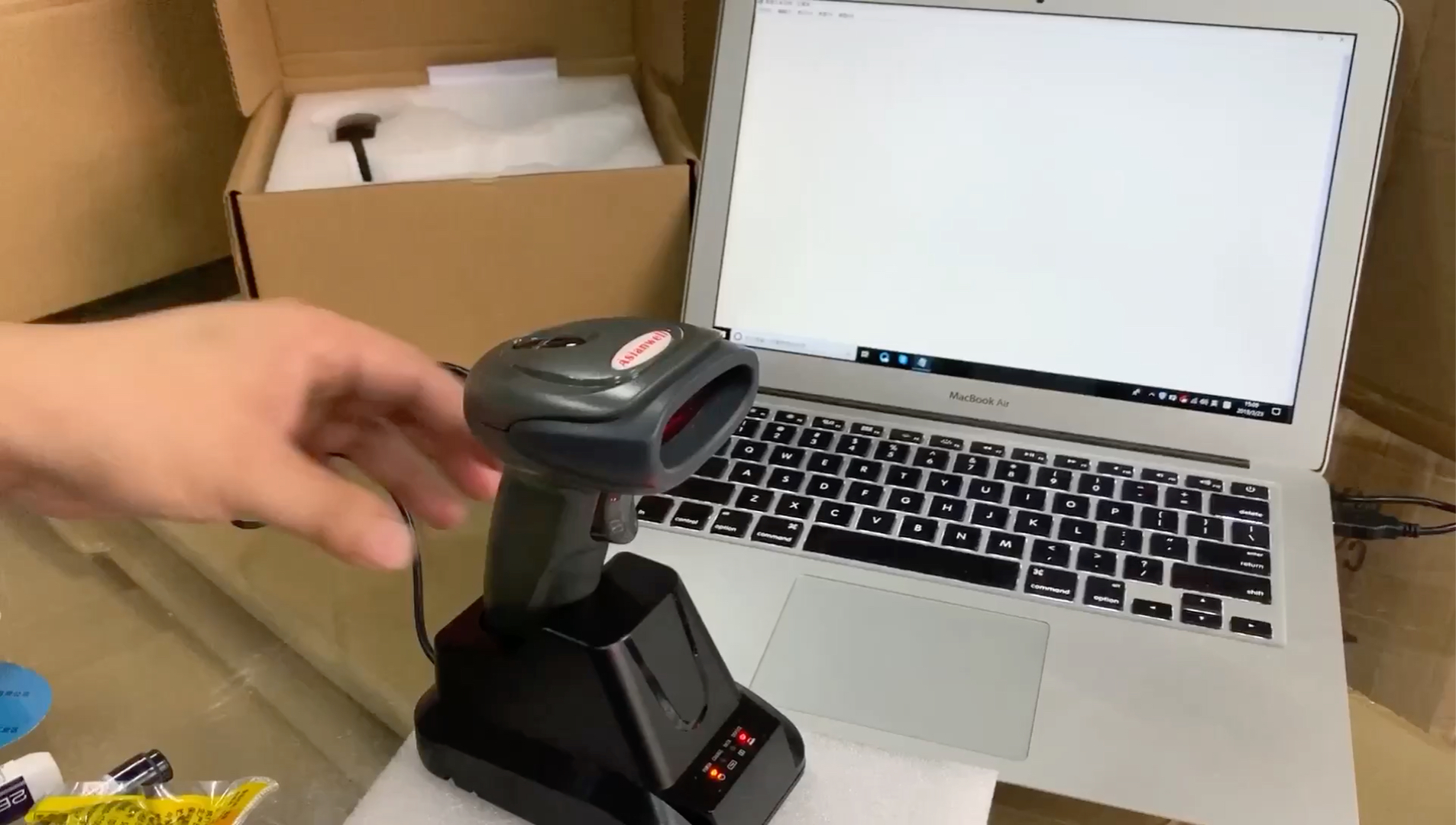 USB Automatic Handheld Barcode Scanner / Reader With Free Adjustable Stand