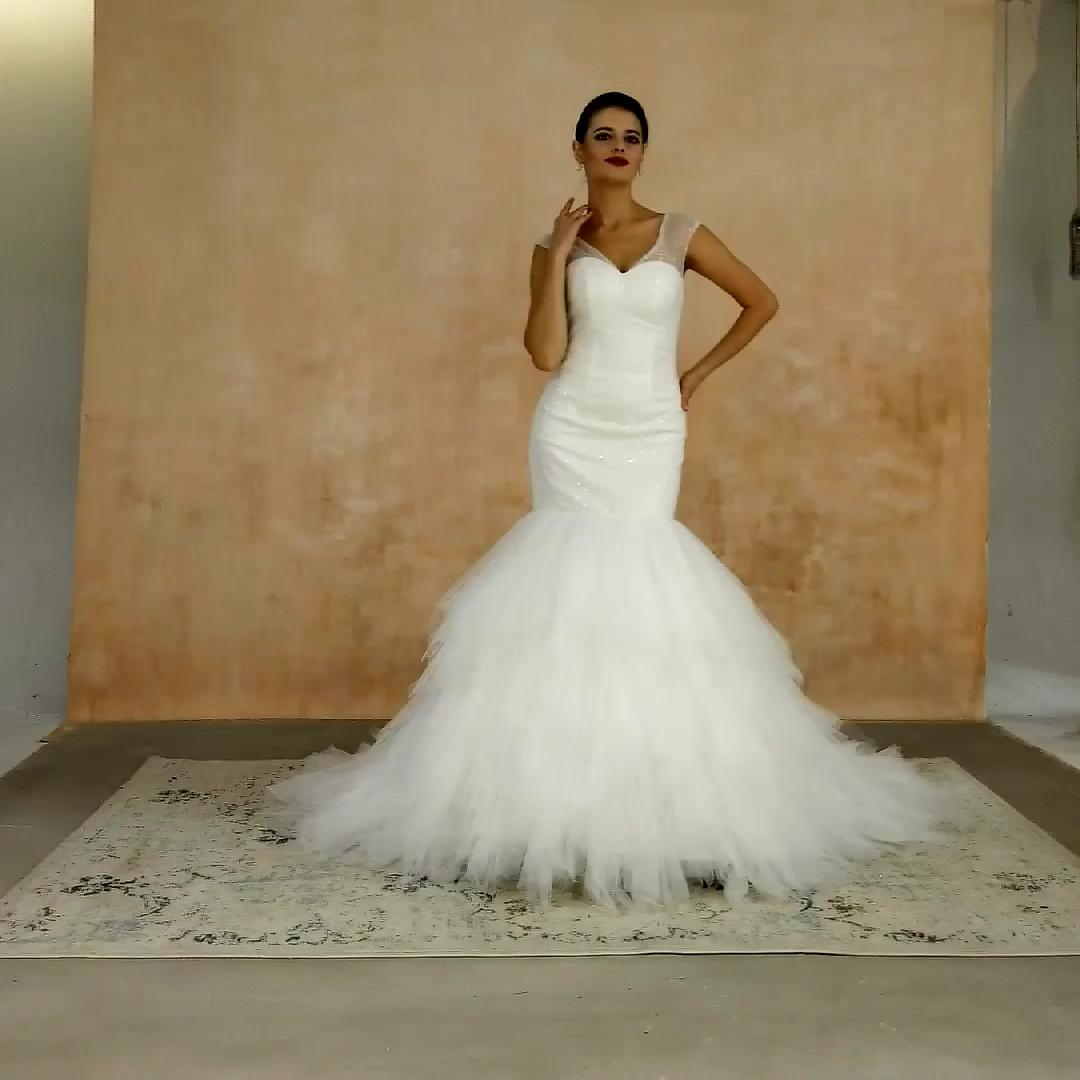 カスタムホワイトふくらんフリルチュールレーストランペットマーメイドウェディングドレス