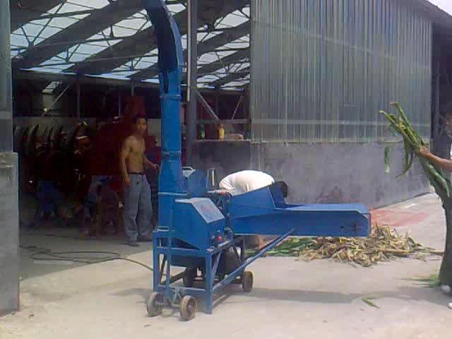 ディーゼルエンジン牛飼料草カッター機の価格