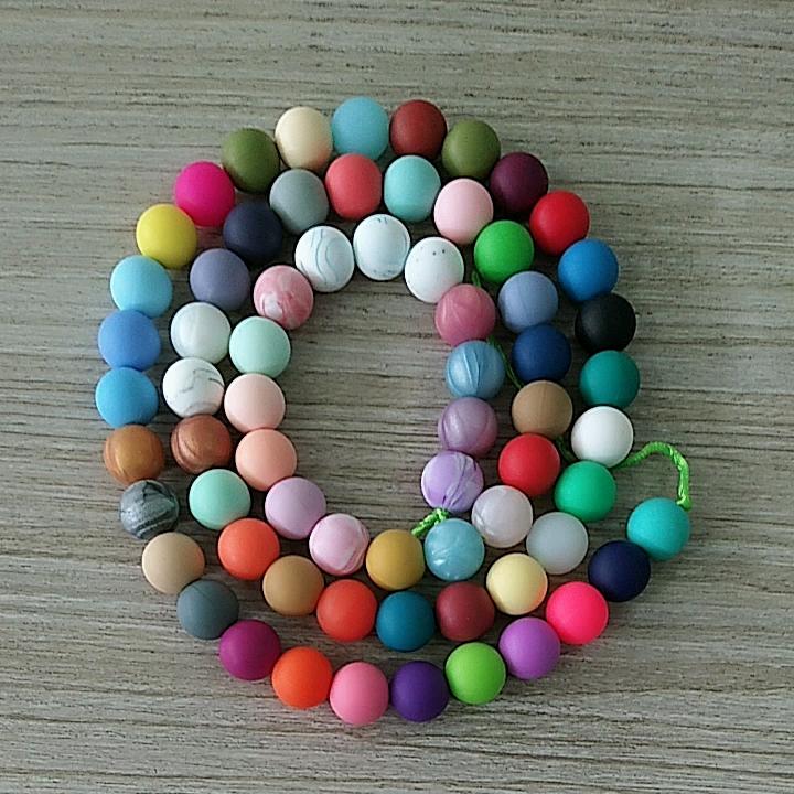 ياردة BPA شحن 12 مللي متر جولة سيليكون الخرز فضفاض التسنين مضغ مجوهرات التسنين سوار لعبة عضّاضة للأسنان DIY لوازم