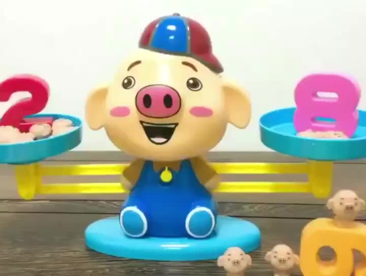 Amazon hot selling Kids Educational Pig Shape Intelligence Balance Scale game Toy