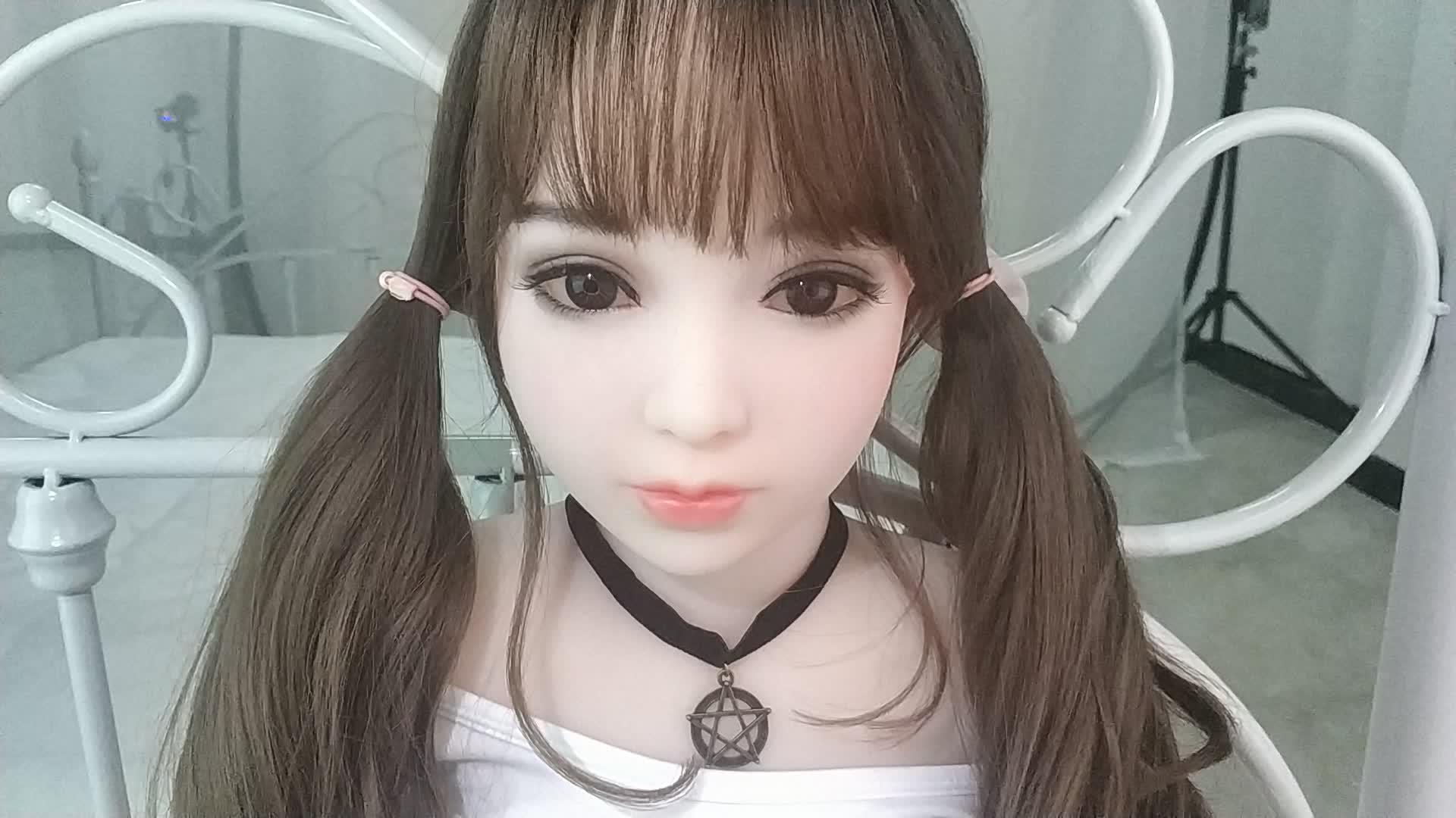 130 Cm Jepang 18 Gadis Muda Silicon Boneka Seks Oral Vagina Kecil Payudara Realistis Silikon Seks Nyata Boneka untuk Pria