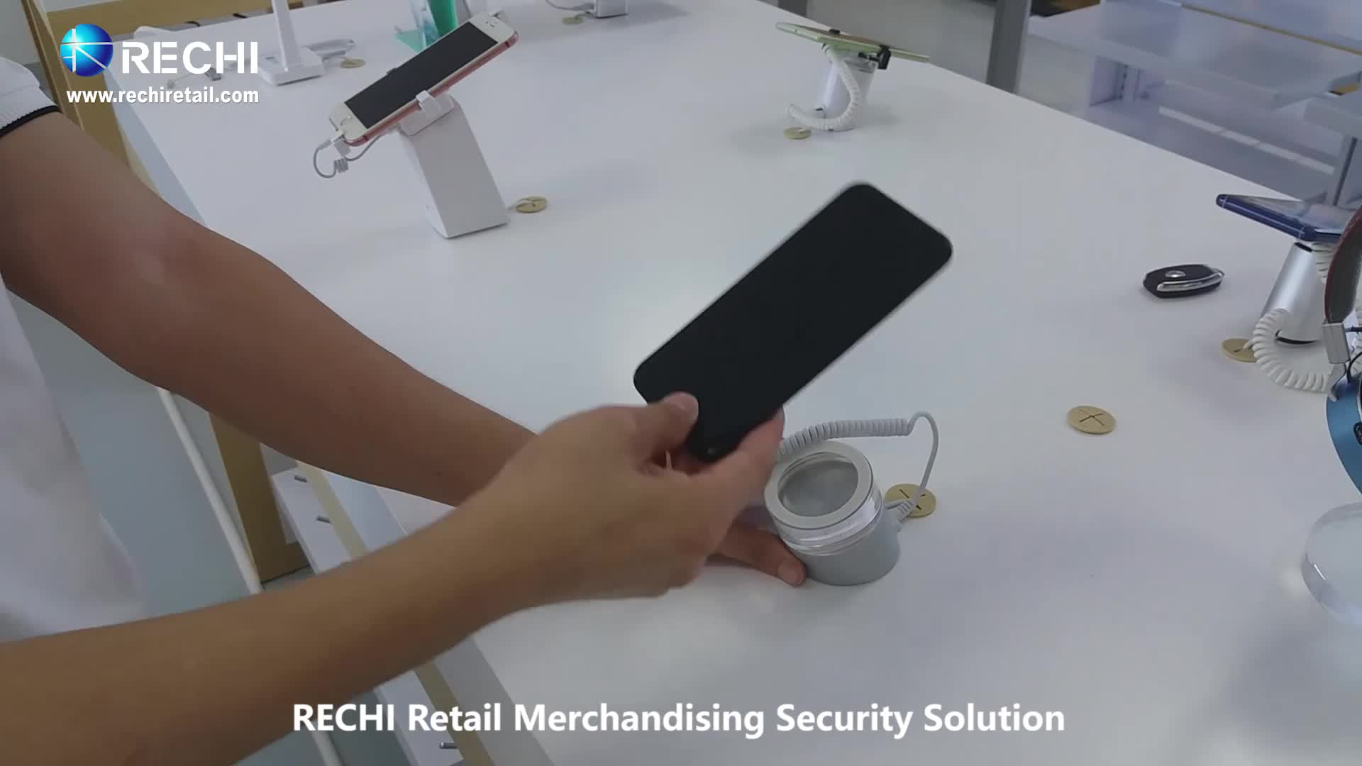 RECHI Retail Security Display Stand Holder For Cell Phone With Alarm and Charging Function Protex S6s