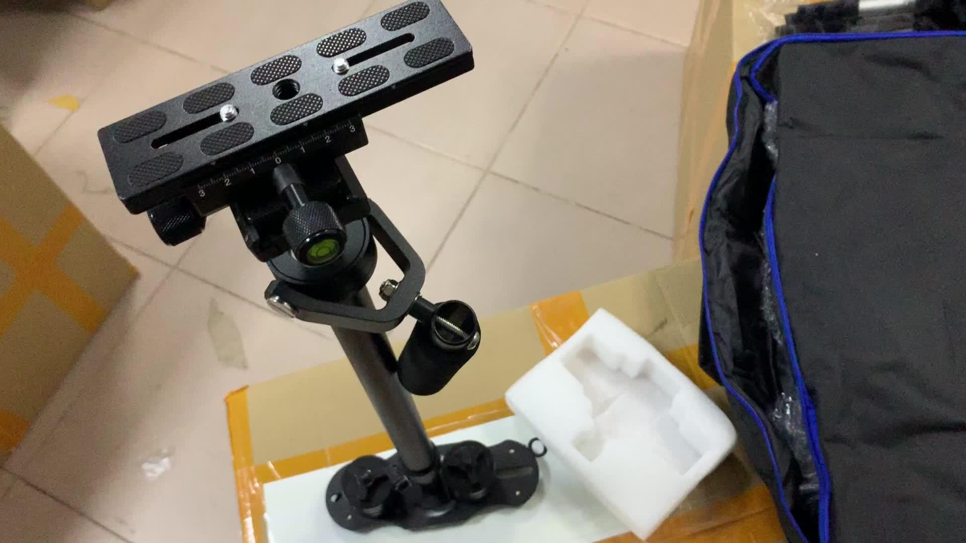 S40 プロ黒調節可能なカメラスタンドステディカムハンドヘルドジャイロ眼スタビライザービデオ