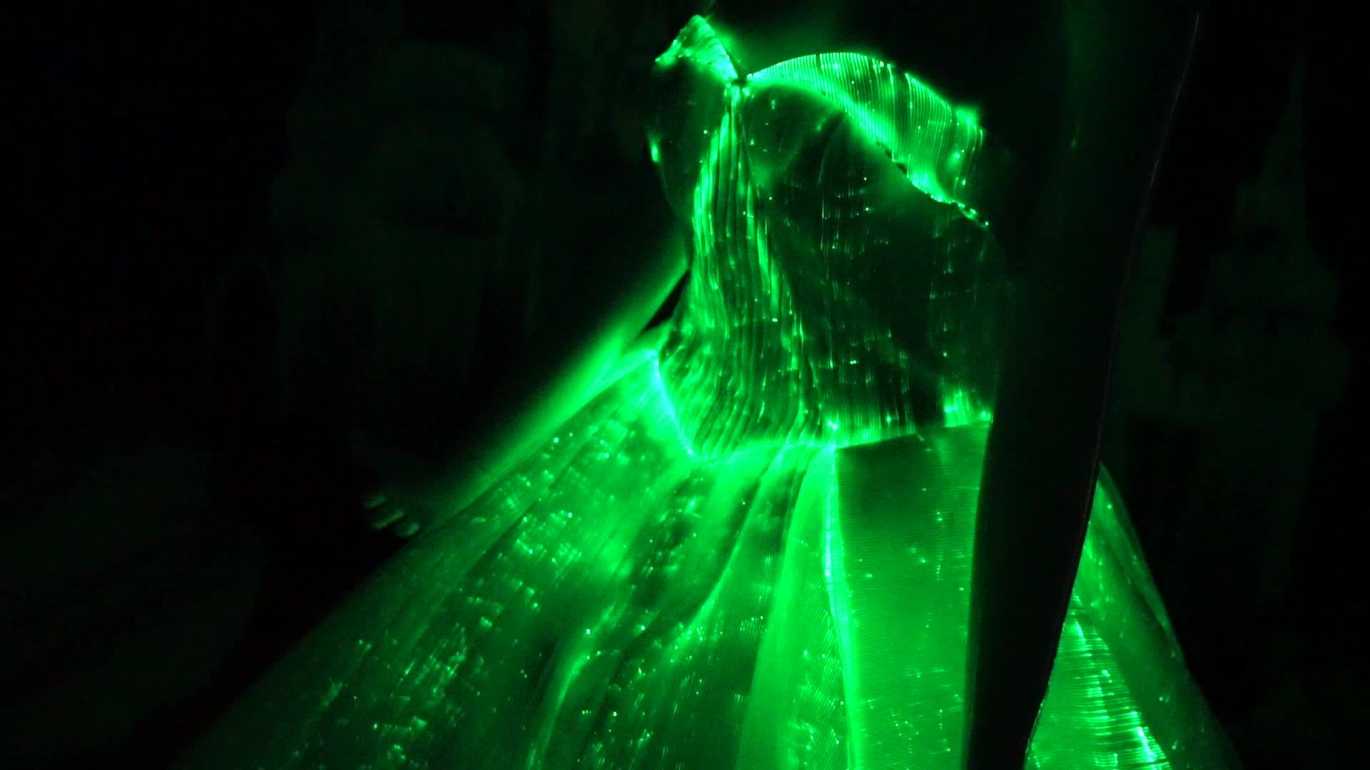 女性の最新デザインのウェディング夜のウエディングドレスロングイブニング女性のパーティーの摩耗 LED ボール発光ガウン