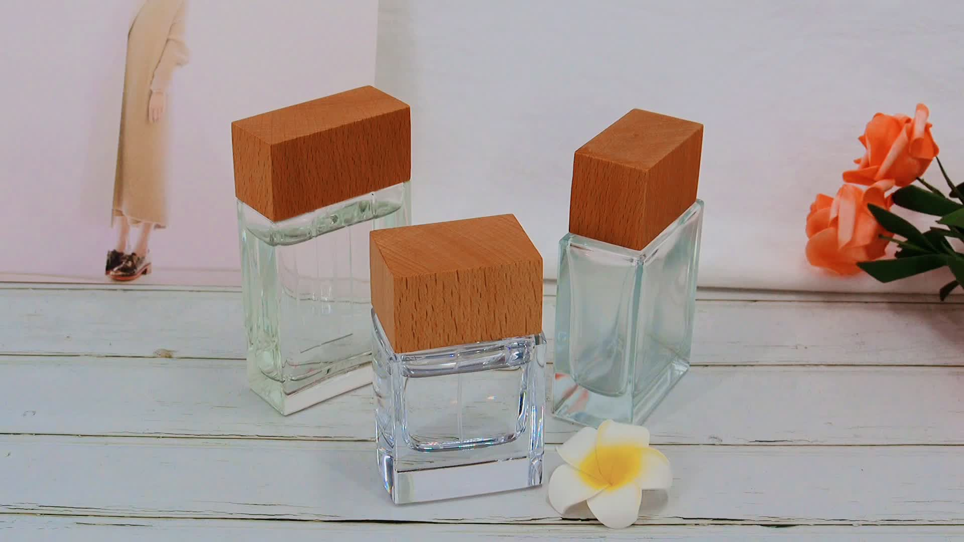 Vietnam new design beech wood glass perfume bottle wooden caps varnish natural wooden lid glass jar square glass perfume lid