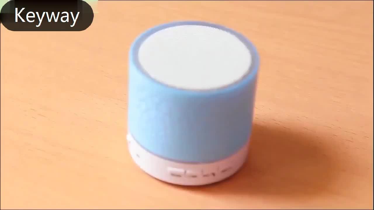 2019 工場出荷時の価格ポータブルミニ led ライトスマートワイヤレス bluetooth スピーカー s10 fm ラジオ