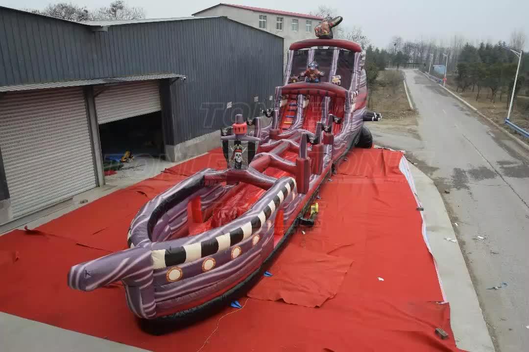 Projeto o mais novo gigantes navio pirata corrediça de água inflável para adultos e crianças/pirateship inflável toboágua para venda