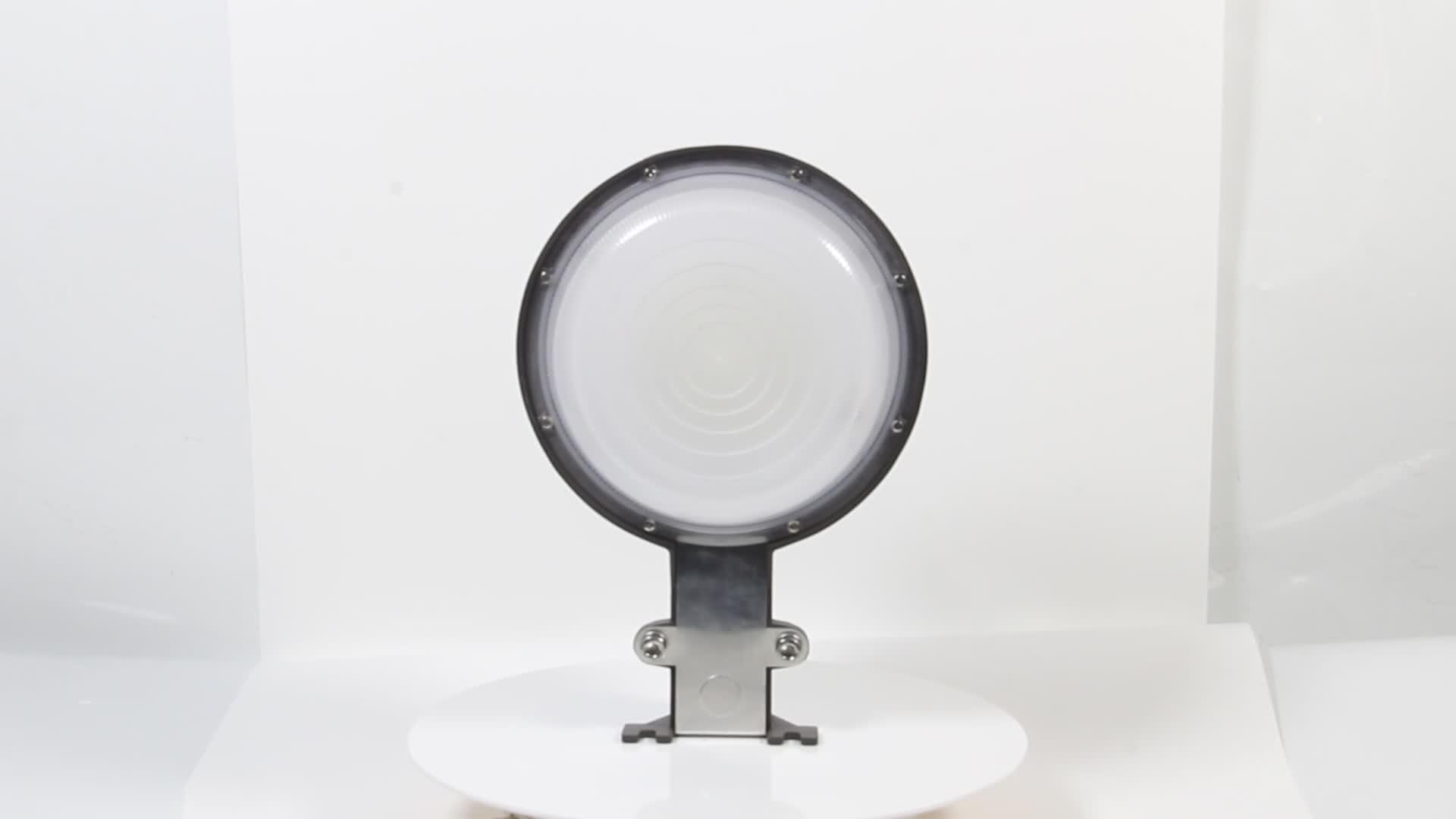 Fabriqué en chine haute lumen extérieur ip65 photocellule capteur 50 w LED grange lumière avec 5 ans de garantie à zhongshan