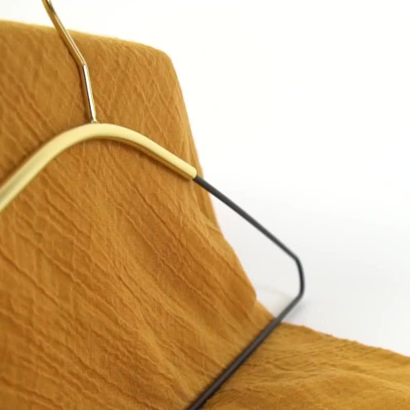 Perchas de proveedores de pelo de oro trajes barato de lavandería de prendas de vestir de Metal de encargo bufanda soporte pantalones abrigo de tela Rack perchas de ropa