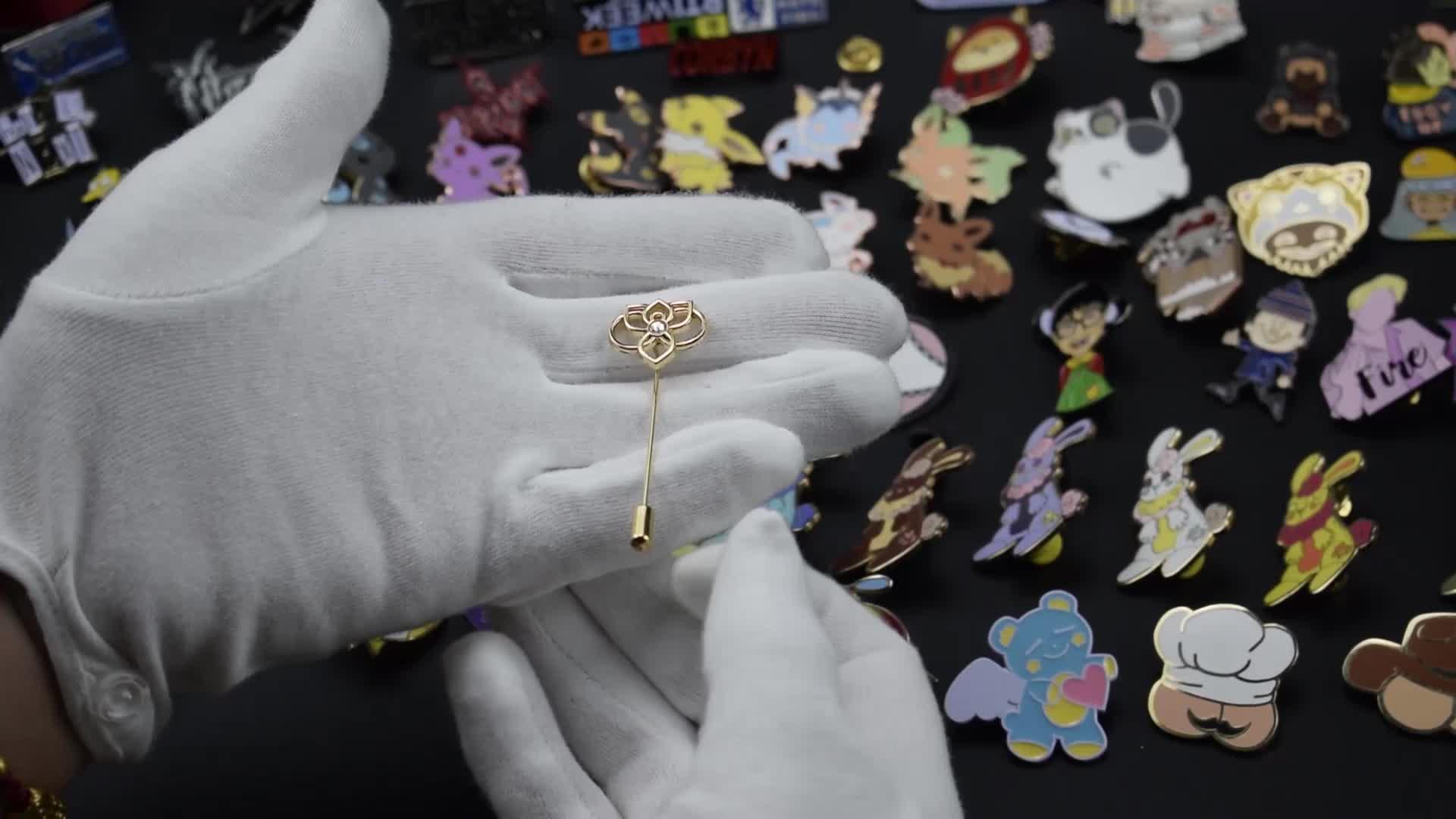 Custom Metal Flower engraved gold pendant peacock designs men pendant gold charm pendant