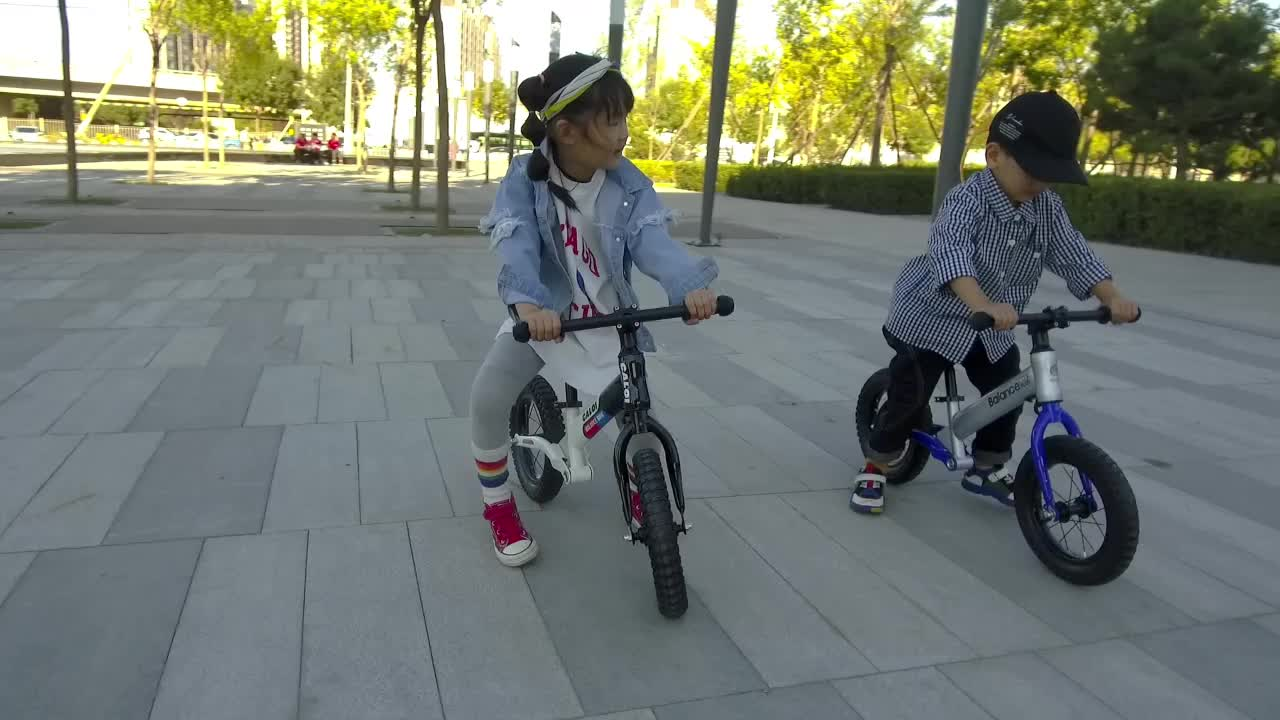 Aohong 2019 เด็กใหม่ Balance จักรยาน First เดินจักรยานสำหรับขาย