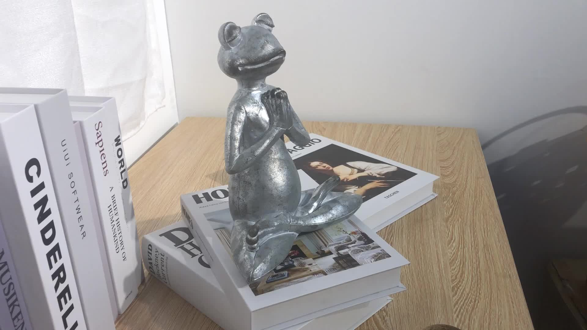 Özelleştirilmiş toptan hayvan heykeli reçine meditasyon kurbağa, polyresin dekorasyon yoga kurbağa figürleri %