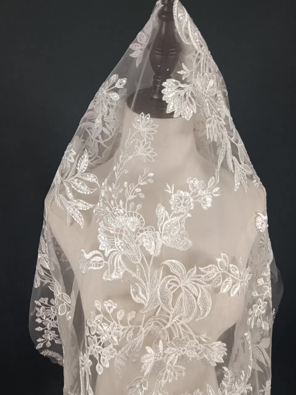 New fashion sequins embroidery bridal  lace fabric for wedding dress