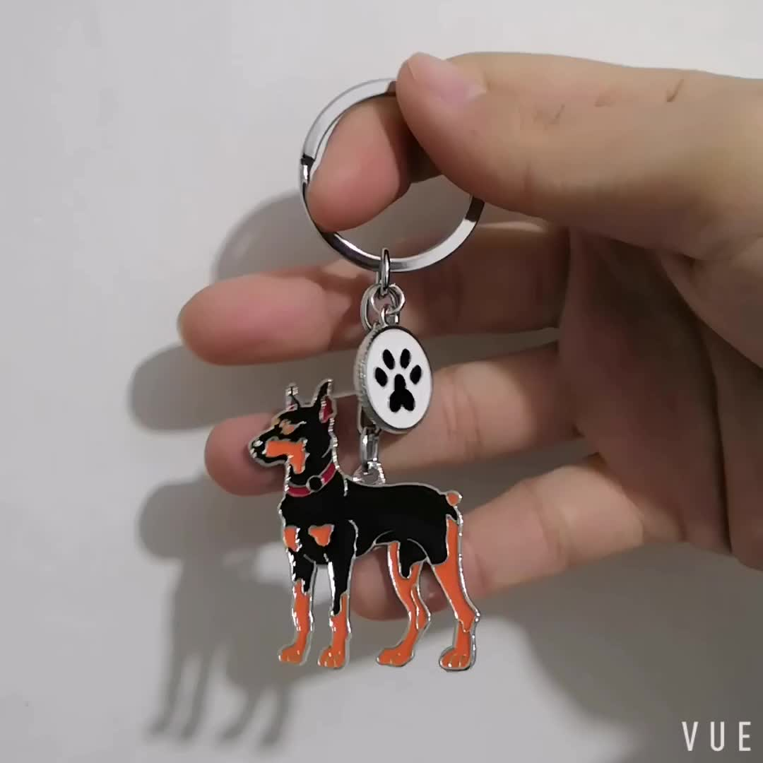 Hot Sell In 2018 Silver Plated  Doberman Dog Key Chain With Dog Paw