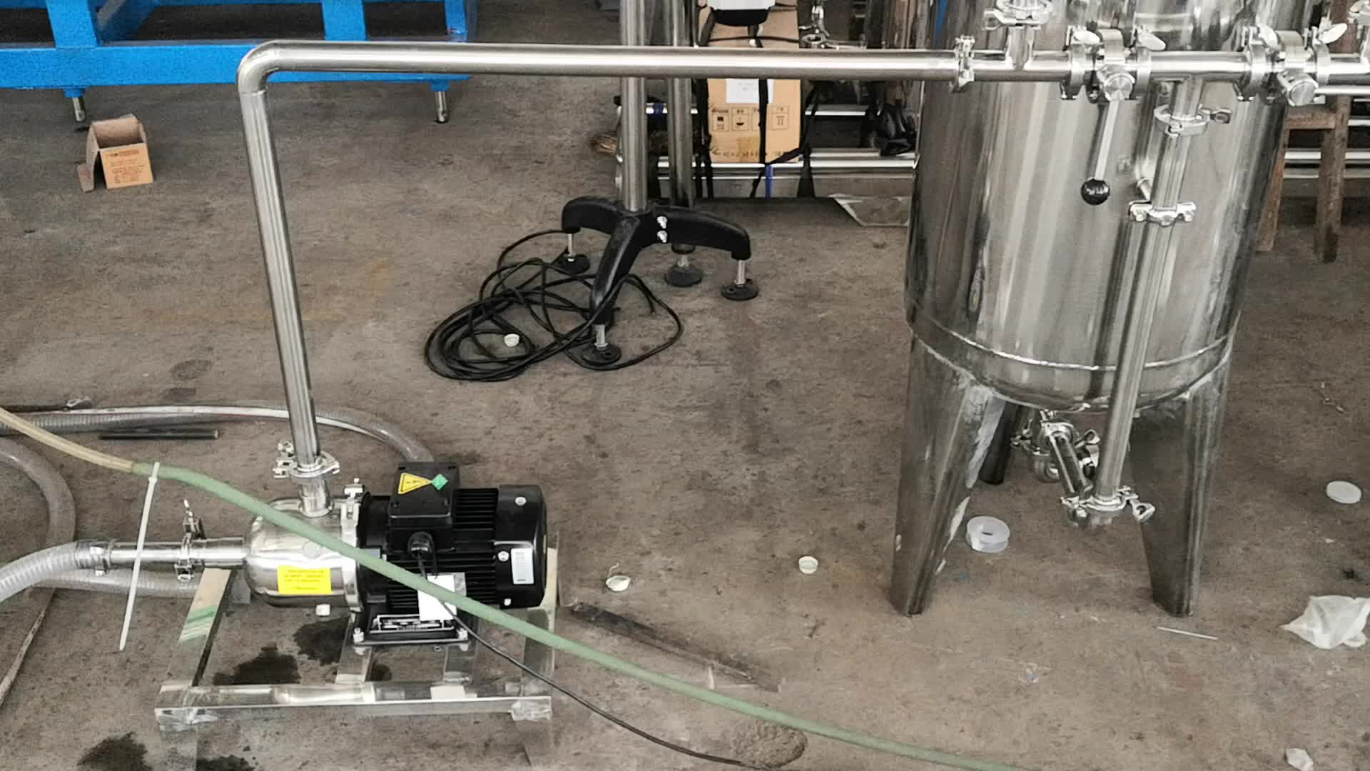 छोटे पैमाने पर उत्पादन के लिए बॉटलिंग लाइन पूर्ण शुद्ध पानी संयंत्र